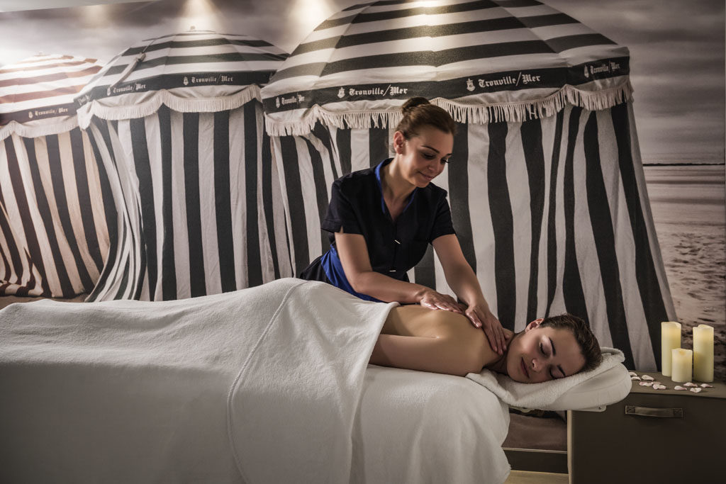 Massage au spa des Cures Marines à Trouville